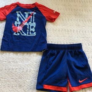 NWOT Nike Outfit